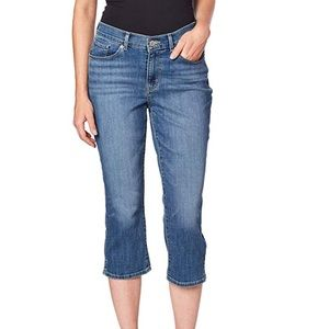 Levi's 515 Classic Capris Medium Wash Plus Size